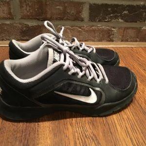 Nike Sneaker Black Shoes Size 7.